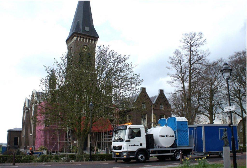 Barthen verhuur luxe mobiele toiletten en schaftwagens